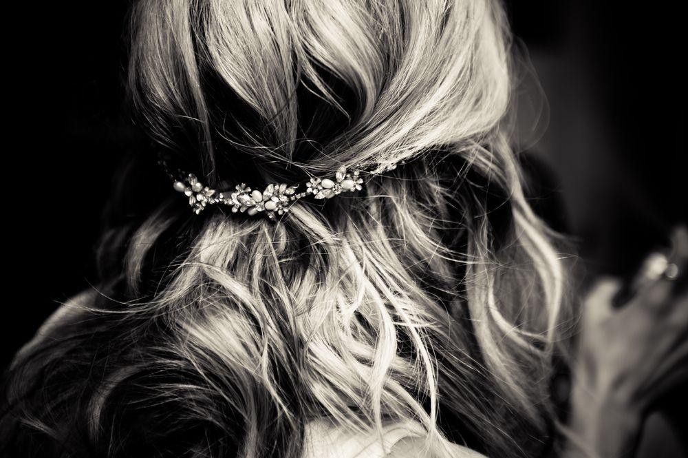 Hairstyle with a delicate flower arrangement