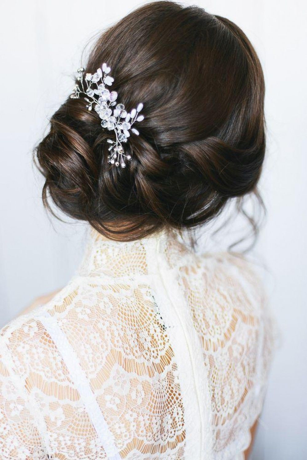 Hairstyle with a delicate flower crown