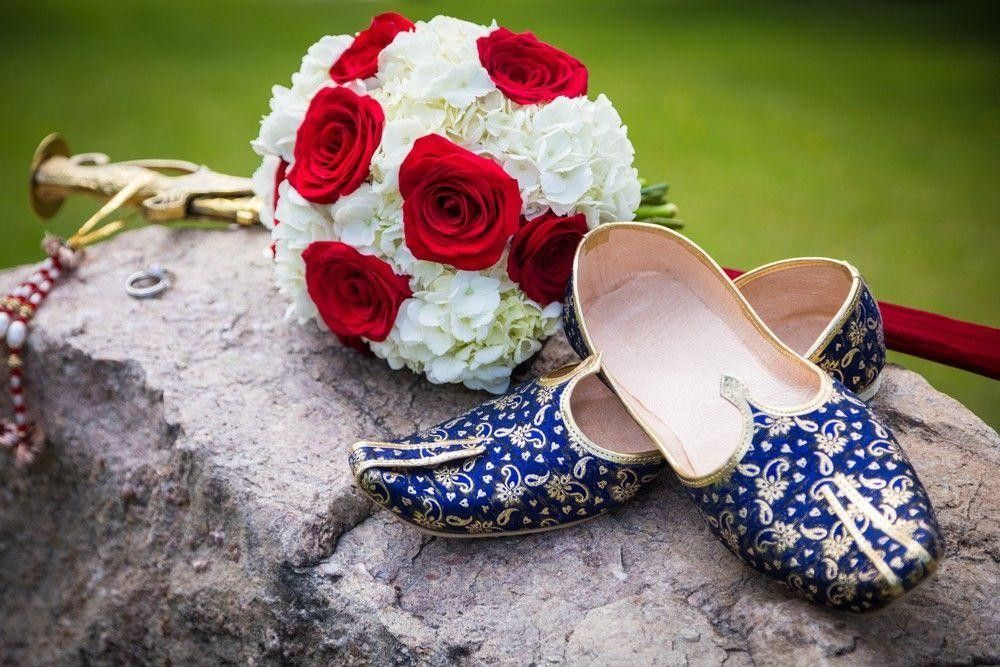 White and red bouquets with shoes