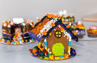 Haunted Gingerbread House Decorating Class