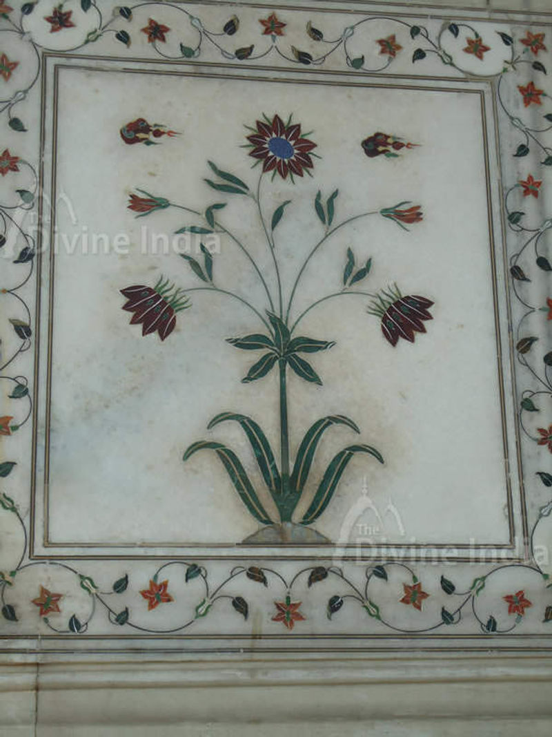Beautiful Pietra Dura Wall, Diwan-i-khas