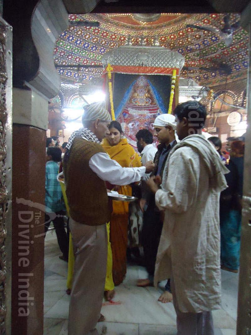 inside view of Kalkaji (Mandir) Temple