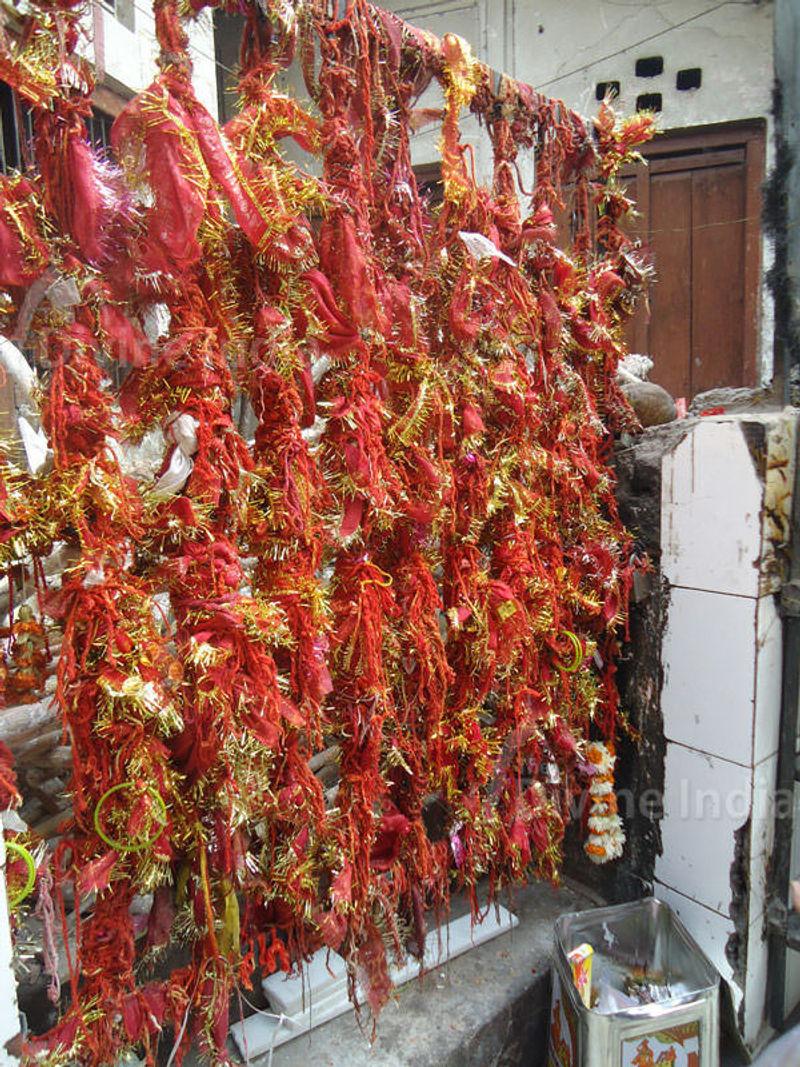 wish point at Kalkaji Temple