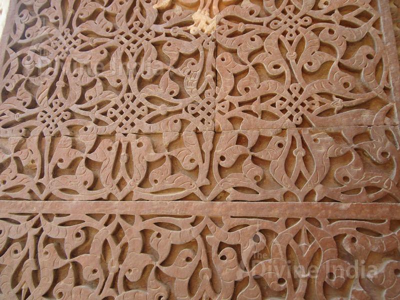 Beautiful wall design, Qutub Minar
