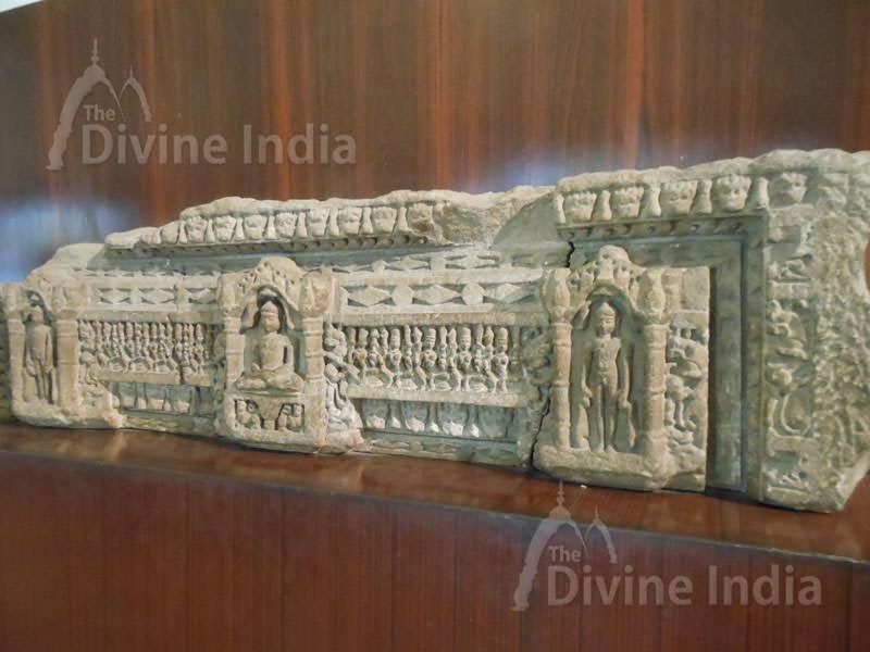 old pillar at museum of purana qila