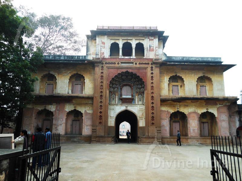 Entry Gate of Safdarjung of tomb