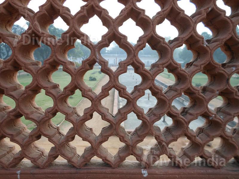 railing cross jali at safdarjung tomb