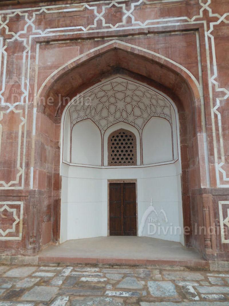 The exterior door of Humayuns Tomb