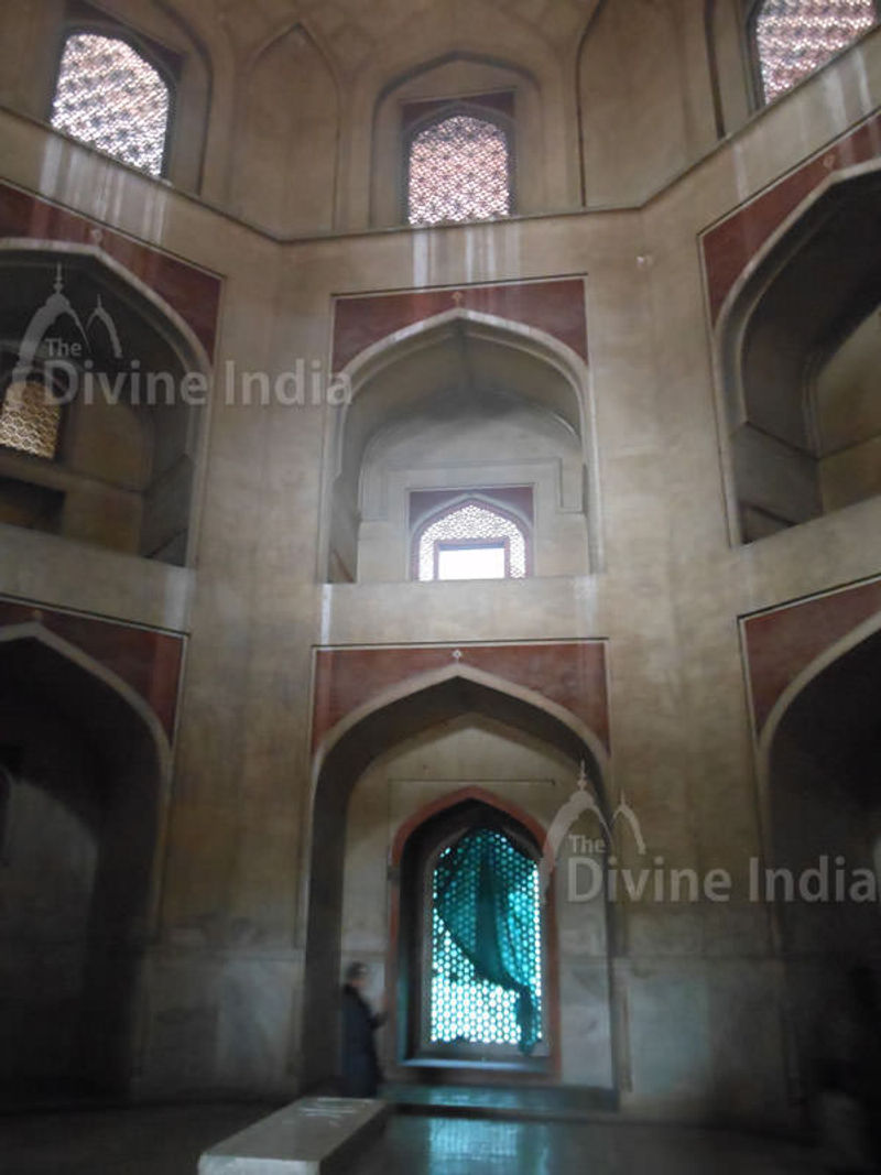 Humayuns cenotaph stands alone in the main chamber; the real grave lies in the basement below