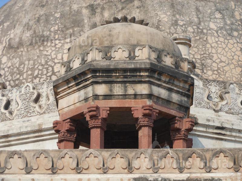 Dome surmounted with lotus crest and kangura/merlon pattern edging, Lodi Garden