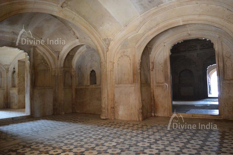 Inside view of suraj bhawan at deeg palace