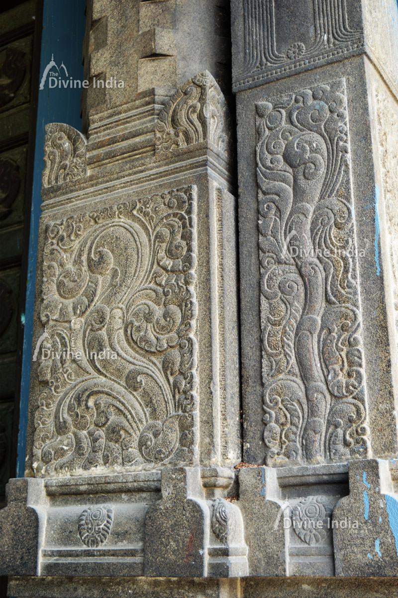 Beautiful wall pillar design