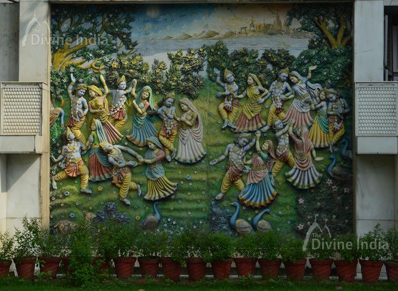 Beautiful Tableau of Sri Krishna leela at Hanuman Balaji Temple