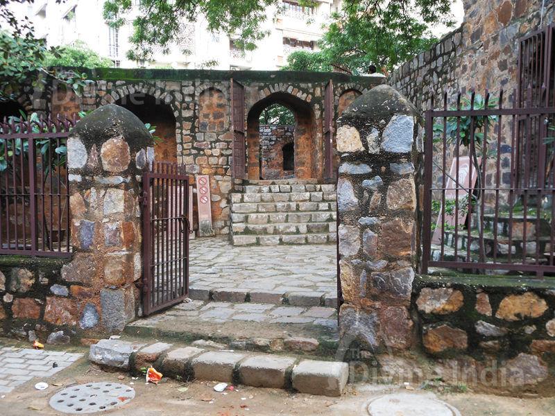 Entrance Gate of Agrasen ki Baoli