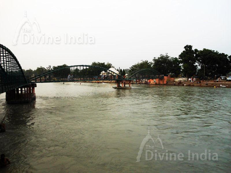 Haridwar footover bridge on Ganga River