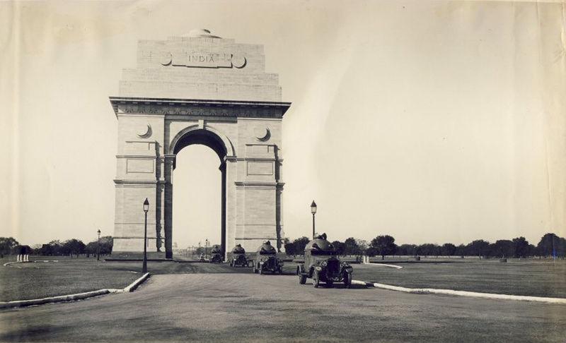 India Gate in 1930s