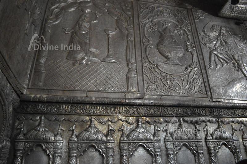 inside wall design at jwala ji temple