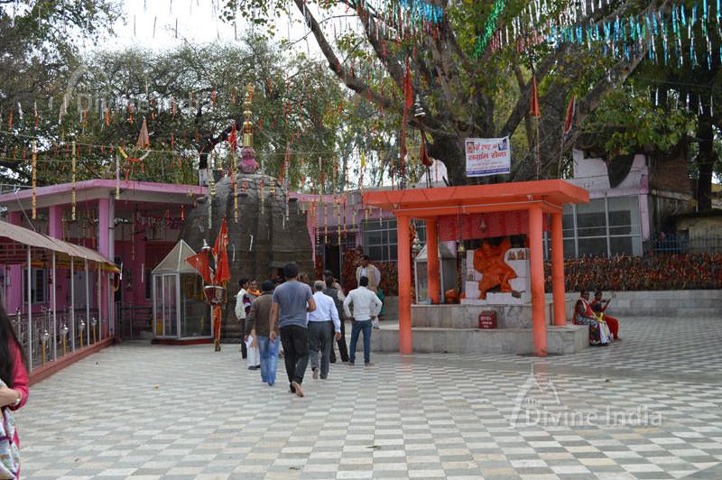 Kol Kandoli Temple Complex