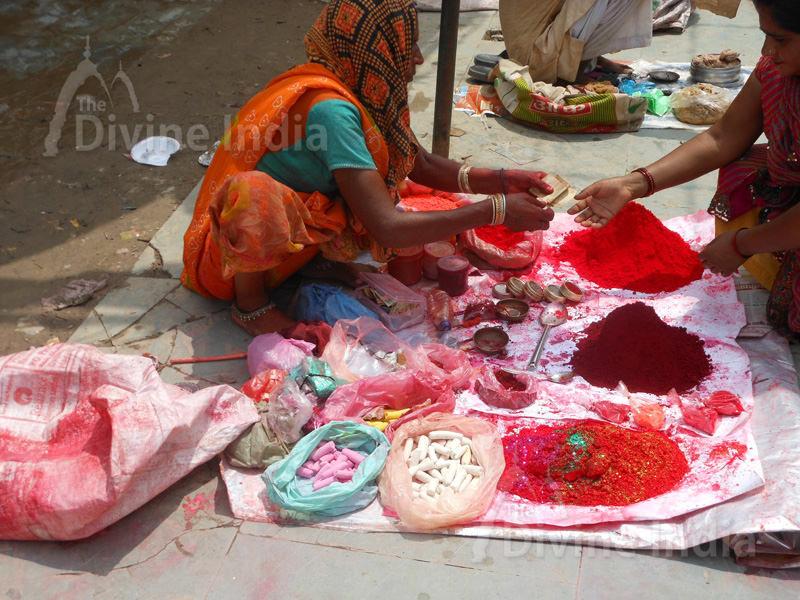 Lady Seller market place at Bateshwar Temple