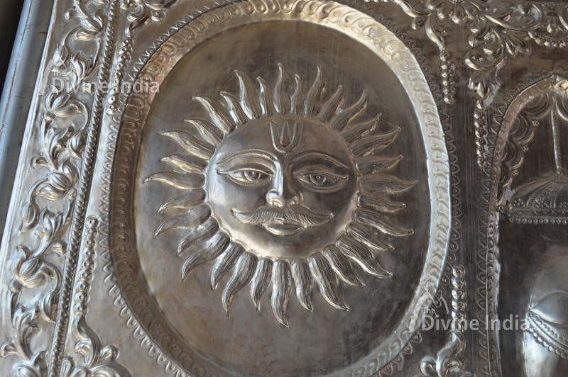 Lord sun emboss image on main entrance gate of naina devi temple