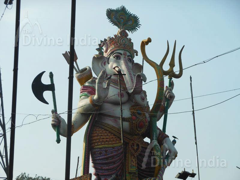 Huge Lord Ganesha Idol