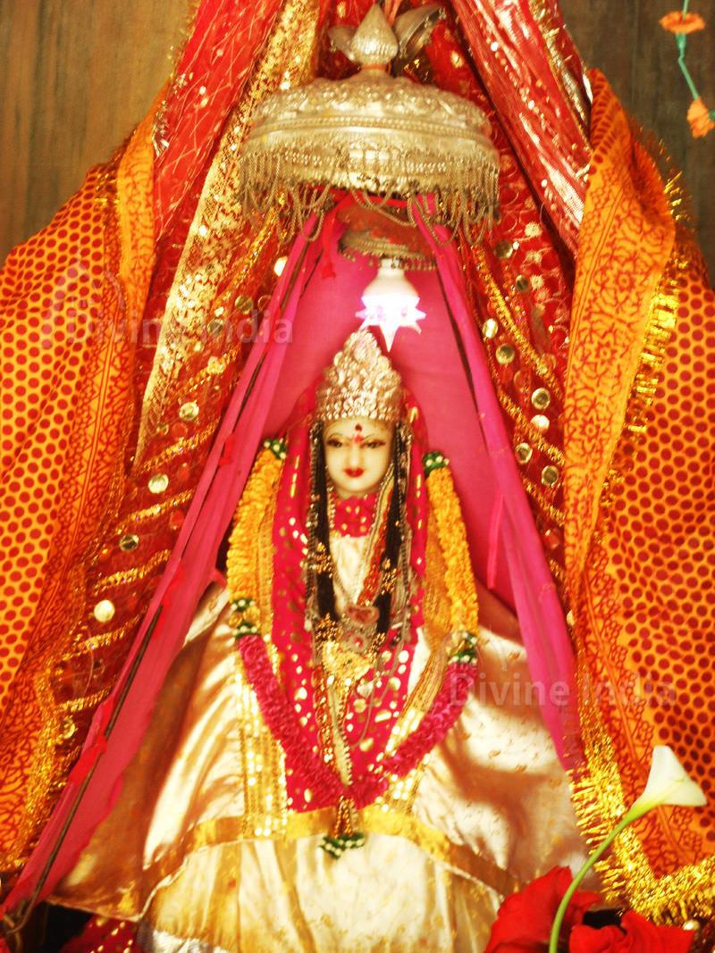Maa Jhula Devi Idol