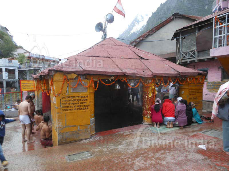 Male Tapt Kund at Badrinath Temple
