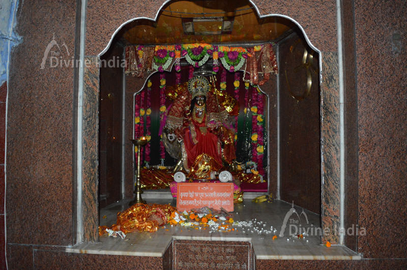 Mata Durga idol at tapkeshwar temple