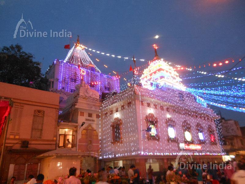Beautiful Night view of Gauri Shankar Temple