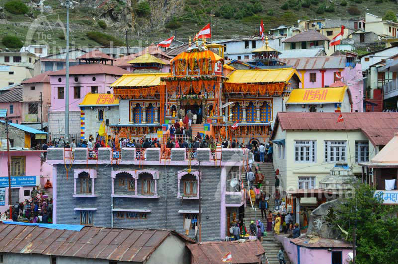 Panorama view of Badrinath Temple