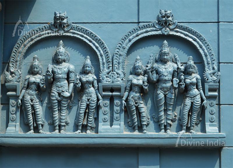 Sculpture of Swaminatha at wall on Swamimalai Temple