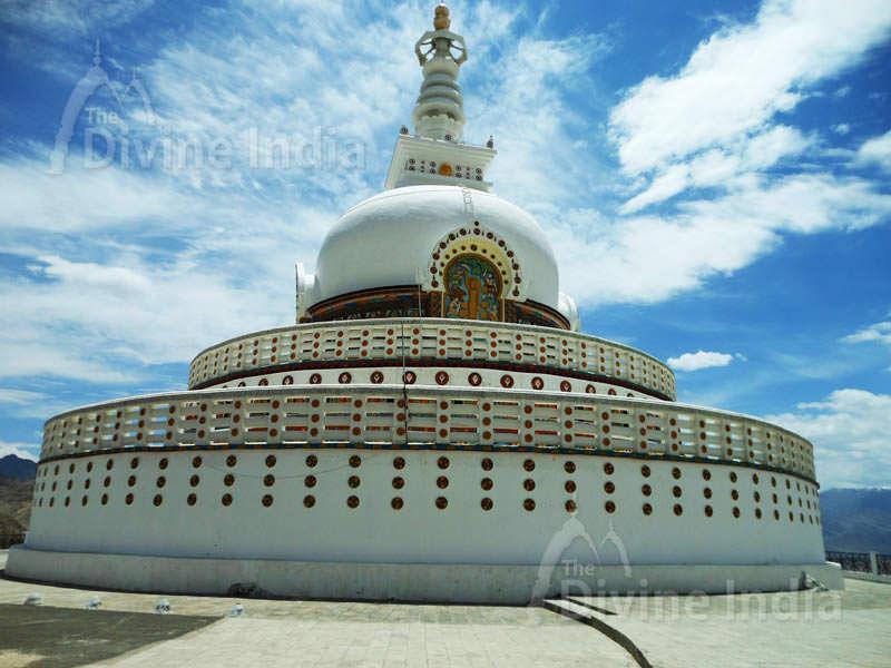 Shanti Stupa - Buddhist Temples
