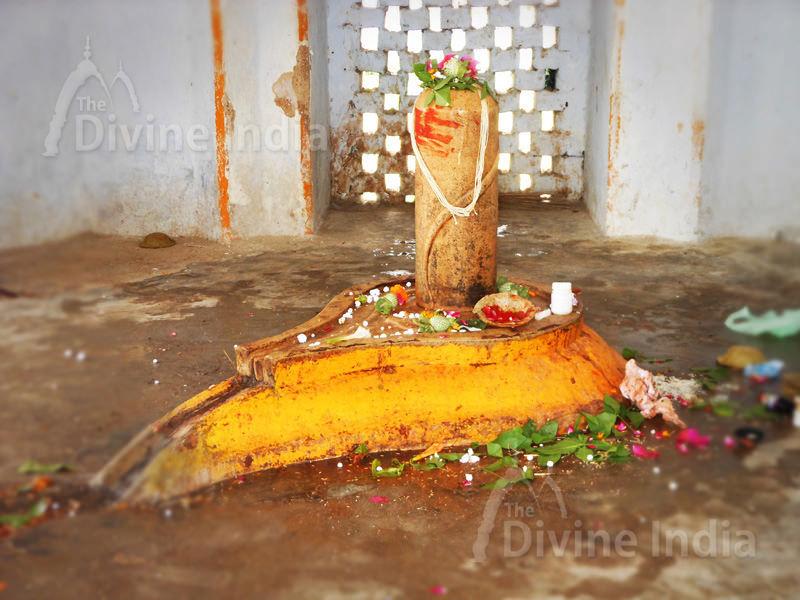 Lord Shiva Linga at Bateshwar