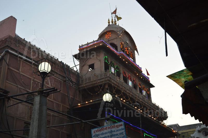 Shri Bankey Bihari Temple other view - Vrindavan