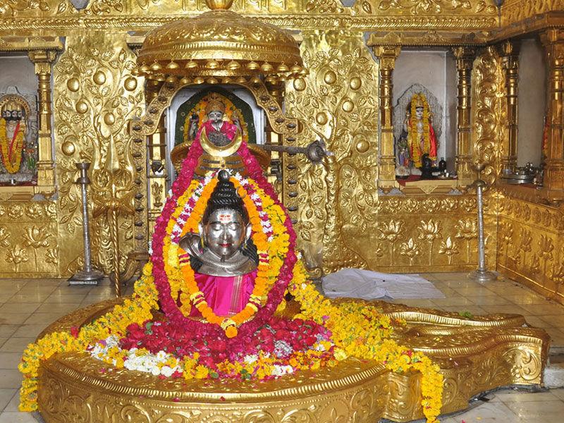 Somnath Jyotilinga with Flower Decoration