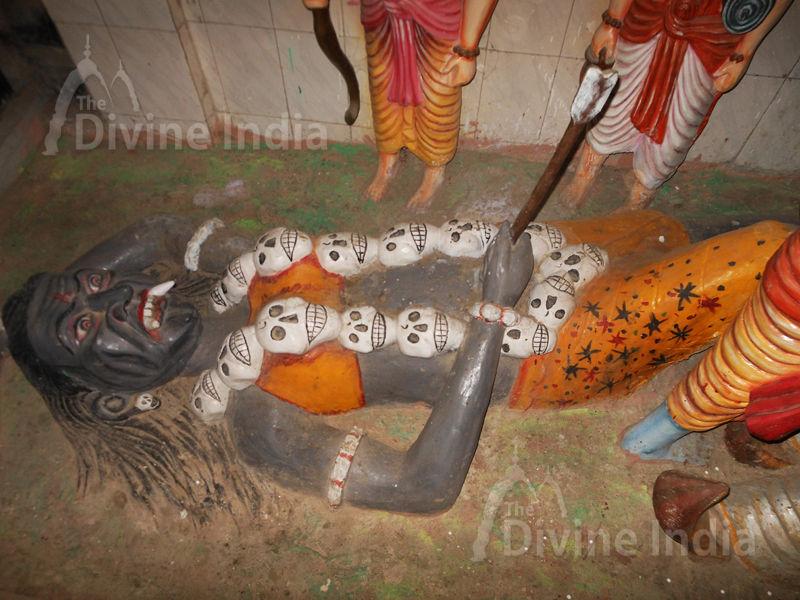 Tadka Vadh Sculpture at Moksha Dham Temple