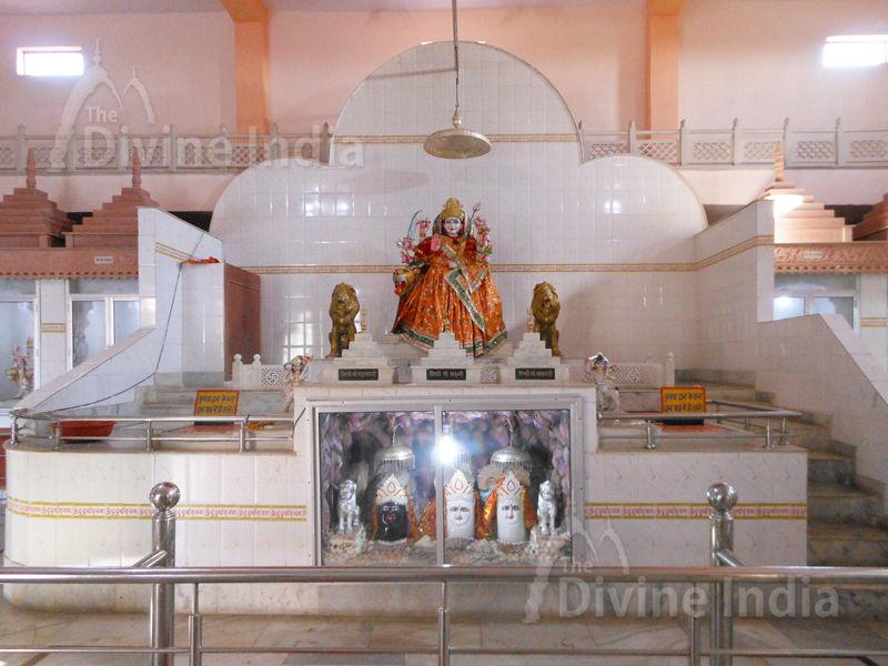 Vaishnu Devi Pindi Sculpture at Moksha Dham Temple