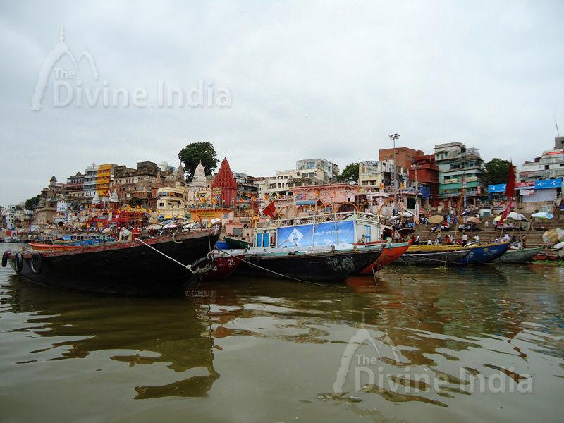 Holy Ganga Ghat - Varanasi