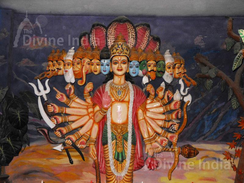 Vishnu Virat Roop Sculpture at Moksha Dham Temple