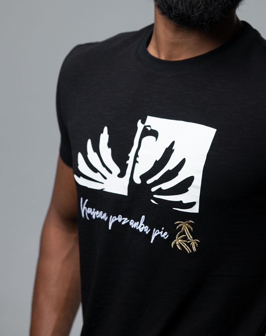 Kas enn poz anba pie - Men fashion t-shirt Mauritius close up