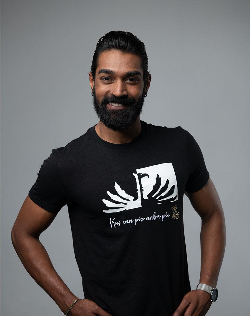 Kas enn poz anba pie - Men fashion t-shirt Mauritius front