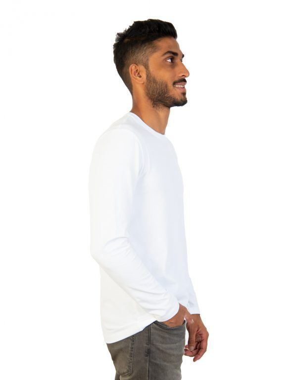 Men long white sleeve t-shirt side