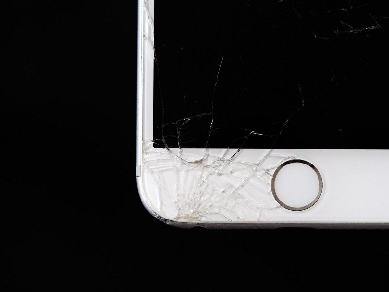 small smartphone crack