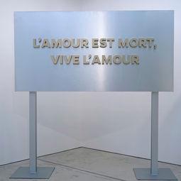 L'amore est Mort by Chai Siris