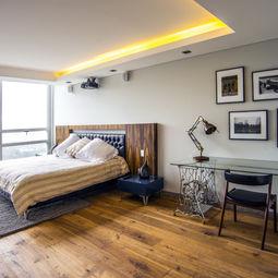 Woody Vintage Bedroom