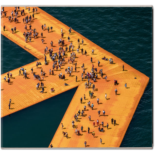Christo and Jeanne-Claude. The Floating Piers by Christo and Jeanne-Claude, Wolfgang Volz, Germano Celant, Adam Blackbourn