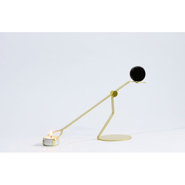 the Rising Balance candleholder by BinDesign