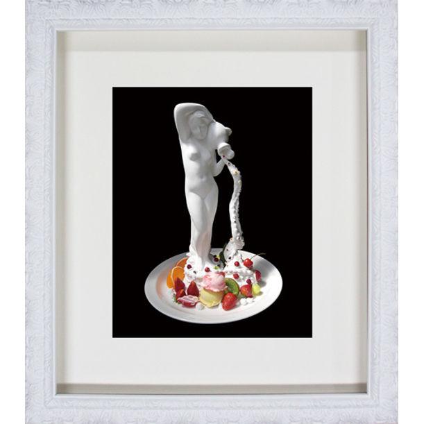 Cream fountain by Osamu Watanabe