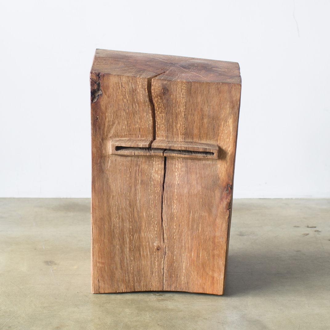 Tio Guadix Hiroyuki Nishimura sculptural stool by Hiroyuki Nishimura
