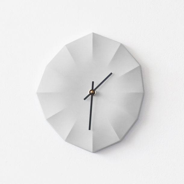 Click Clock L | Gray with Black Hands by Ayako Aratani